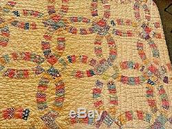 1930's Vintage Double Wedding Ring Quilt Beautiful Handmade HandQuilted