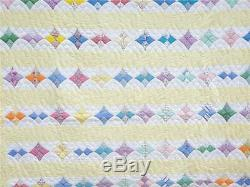 (27) LOVELY Vintage Quilt HUMMINGBIRD Hand Made