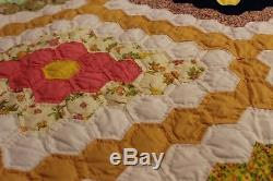 ANTIQUE VINTAGE HANDMADE OHIO Patchwork QUILT Diamond Cheddar NEVER USED PERFECT