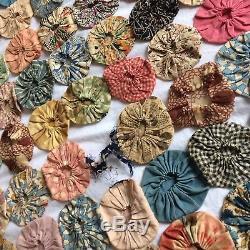 ANTIQUE vtg yo yo quilt handmade feedsack fabrics 2.5D 78x84 primitive