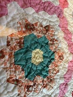 BEAUTIFUL VTG HANDMADE GRANDMOTHER GARDEN QUILT THOUSANDS OF 1/2 inch Hexagons