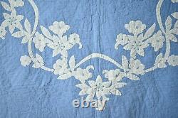 BEAUTIFUL Vintage 40's Blue & White Wedgewood Applique Antique Quilt