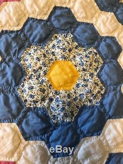 Beautiful Vintage Grandmothers Flower Garden Large Hand Made Quilt Mint