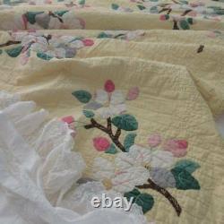 Beautiful Yellow! Vintage dtd 1956 Apple Blossom Applique QUILT 85x76