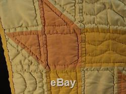 CUTE VINTAGE HANDMADE BABY QUILT 4 MAPLE LEAF BLOCK PATTERN, 27 x 28