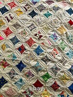 Cathedral Window Vintage Full Size Quilt 1940s or 1950s. Great Condition