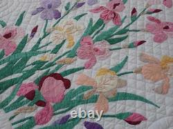 Cottage Gardens Beautiful Vintage 1940s Applique Iris QUILT 82x70