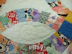 Handmade Vintage Double Wedding Ring Quilt with 1940s Fabric