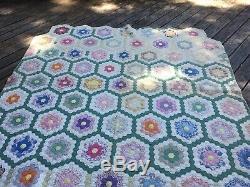 Handmade Vintage Flower Garden 1940s Quilt