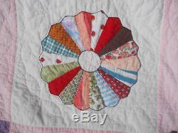 Lovely Vtg Dresdan Plate Quilt-Handmade/Hand Quilted-20 Appliqued Dresden Plates