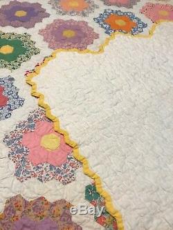 VINTAGE 1930's GRANDMOTHERS HANDMADE FLOWER GARDEN QUILT 78 x 94 HANDMADE
