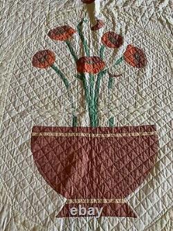 VINTAGE 50s 60s QUILT Handmade APPLIQUÉD FLOWERS White Floral Patchwork