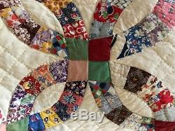 VINTAGE Double Wedding Ring Patchwork Handmade in Texas Quilt Blanket 83 x 71