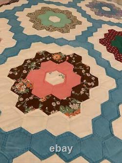 VINTAGE Granny FLOWER GARDEN Patchwork Handmade American Quilt Queen Blanket USA