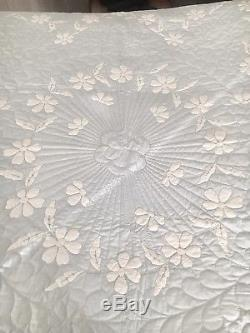 VINTAGE HANDMADE APPLIQUÉD EMBROIDERED Light Blue QUILT Flowers 1950s Beautiful