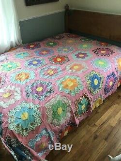 VINTAGE HANDMADE GRANDMOTHER'S FLOWER GARDEN COTTON QUILT TOP 90 BY 75 Pink