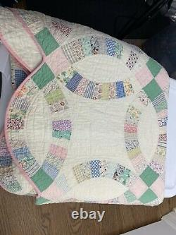 VTG 1930s Handmade Double Wedding Ring Quilt Feed Sack 65'' x 85'' Pink