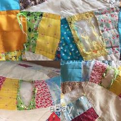 VTG 1978 Handmade KING SIZE DOUBLE WEDDING RING QUILT Feed Sack Floral 100x102