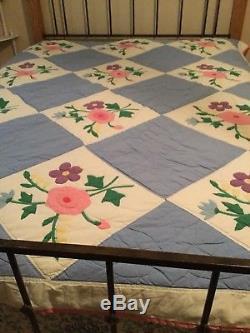 VTG Handmade Quilt Appliqué Blocks 71 x 88 Vintage
