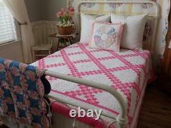 Very Pretty Romantic Cottage Vintage Pink & White Irish Chain Quilt 92x76