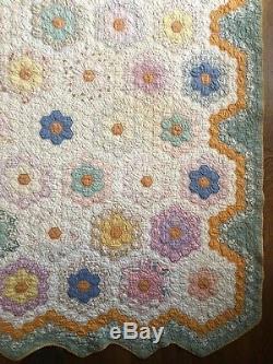 Vintage 30s 40s Patchwork Handmade Cotton Quilt Twin Blanket Hexagon Flowers