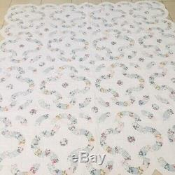 Vintage Country Chic Double Wedding Ring Handmade Quilt 90x82 Scallop Edges