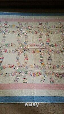 Vintage Double Wedding Ring Handmade Quilt 85 x 68 1/2 in
