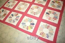 Vintage Dresden Plate Hand Stitched Quilt Feedsack Scalloped Edge 79 x 78 EUC