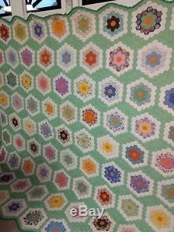 Vintage Estate Dresden Plate Gorgeous Handmade Large Quilt