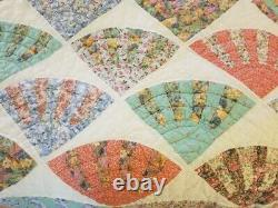 Vintage Fan Pattern Quilt, Hand Quilted, 100 X 86