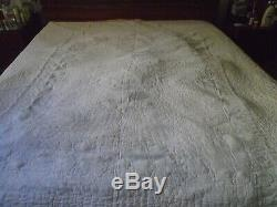 Vintage Green And White Handmade Quilt 76 X 87