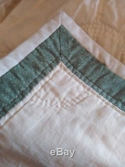 Vintage Hand Made Dresden Plate Quilt Cream With Borders Signed 1984