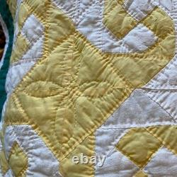 Vintage Hand Quilted all Hand Pieced Pinwheel Quilt 100% Cotton 82x 74 EUC