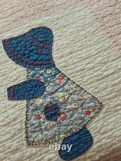 Vintage Hand Stitched Dutch Doll Pattern Quilt Full Size