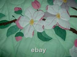 Vintage Handmade Dogwood Applique Quilt 76x86