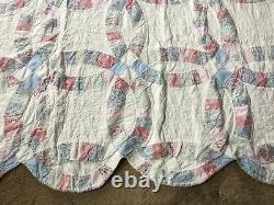 Vintage Handmade Double Wedding Ring Quilt Approx. 76 X 80 Scalloped Edge