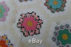 Vintage Handmade Grandmothers Garden Quilt 82 x 90
