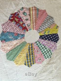 Vintage Handmade Quilt Dresden Plate