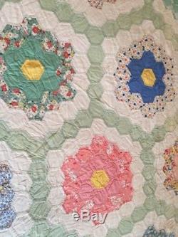 Vintage Handmade Quilt Grandmas Flower Garden