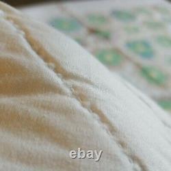 Vintage Handmade Quilt Grandmother's Flower Garden Hand Sewn Feedsack 82x61 2of2
