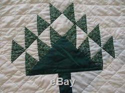 Vintage Handmade quilt Tree of Life 84X80 crisp clean look