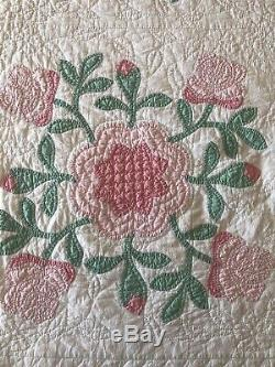 Vintage Pink Floral Applique Hand Made Quilt 82 X 76 3.5 Star
