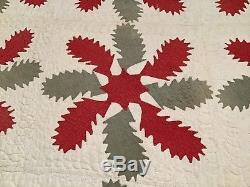 Vintage Quilt. Handmade. Pin Wheel