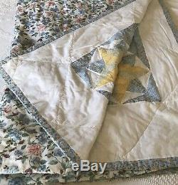 Vintage Quilt Handmade Yellow & Blue 4 Point Star Pattern Double or Full Size