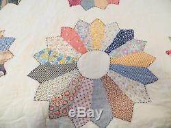 Vintage Spring Summer Weight King Size Quilt Hand Made Machine Quilted Dresden