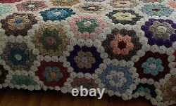 Vintage Yo-Yo Quilt Shown On A King Sz Bed Beautiful Hand Made Estate Find Quilt