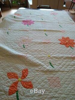 Vintage flower garden Feedsack Handmade Hand Quilted 30s Quilt 76x 74 clean