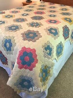 Vtg Handmade Patchwork Feedsack Quilt Honeycomb Hexagon Flowers Full Queen Twin