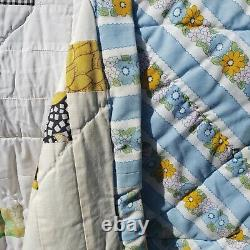 Vtg Handmade patchwork Queen quilt Small blocks Irish Chain 82x66